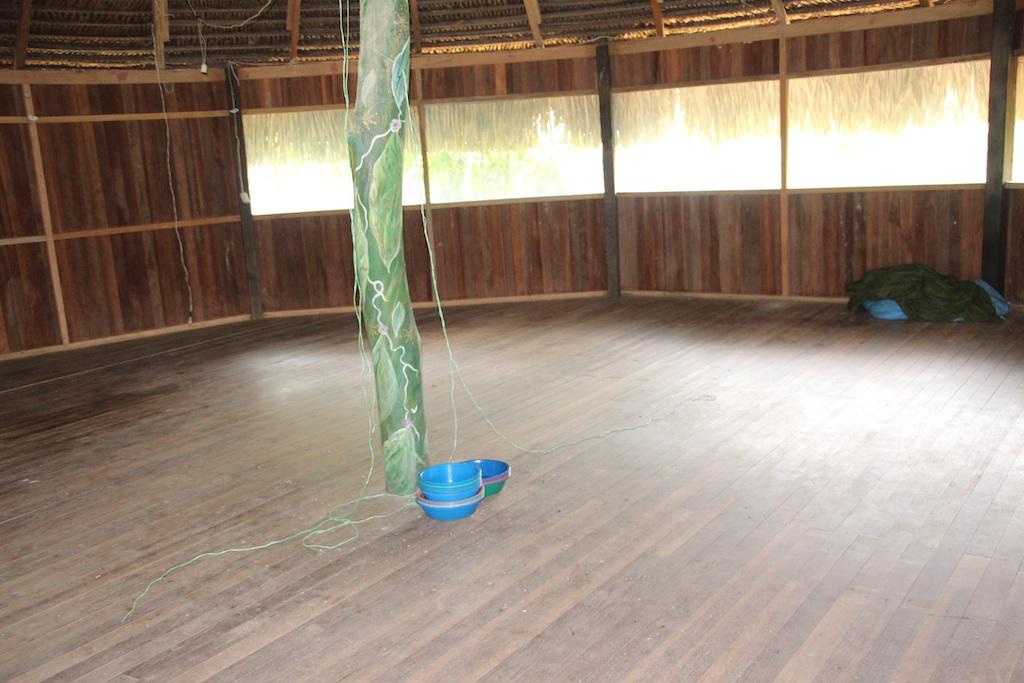 昼間に撮った儀式の部屋の写真