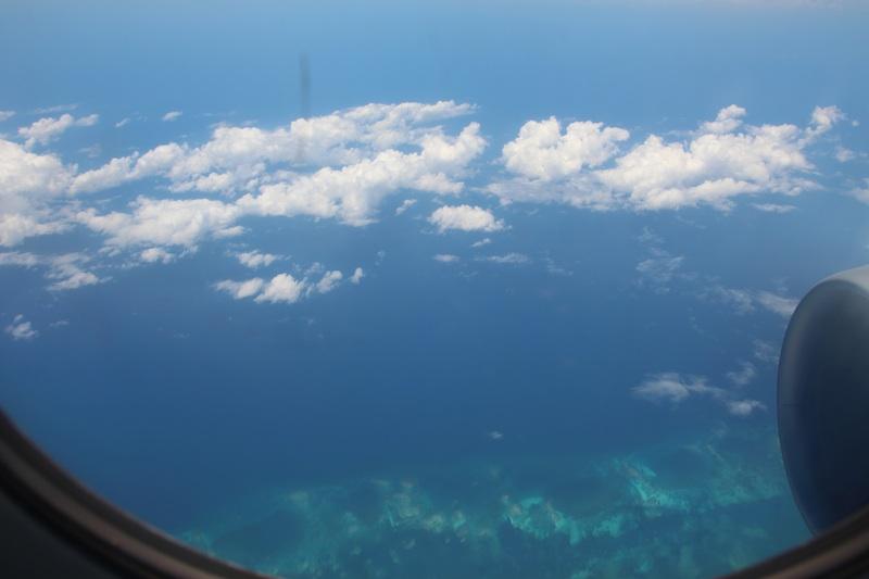 機内から見たカンクンの海!きれい!