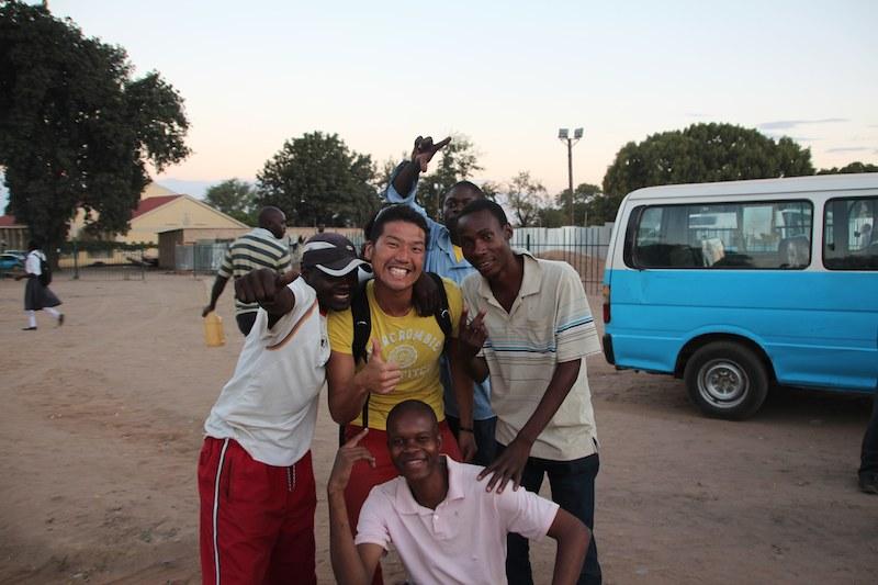 ザンビアのバス停