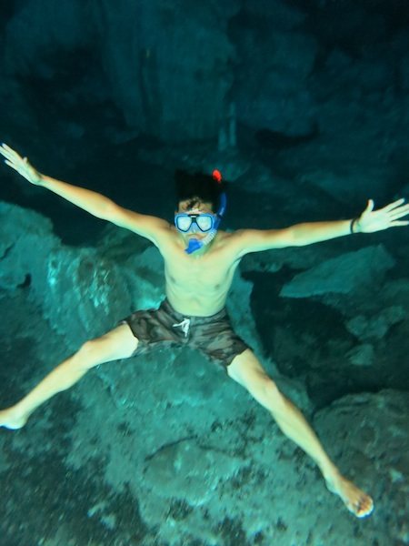 水深3mくらいに沈む僕