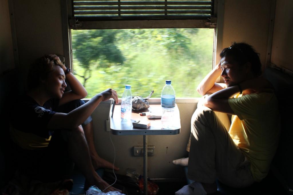 寝台列車の中で
