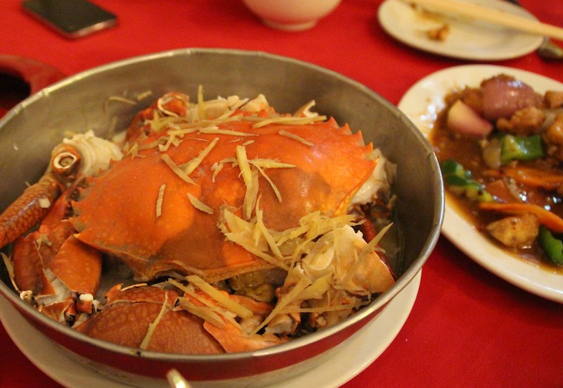 2日連続、中華料理。これはカニ。1杯約600円