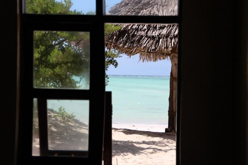 レストランから見るとパジェのビーチ