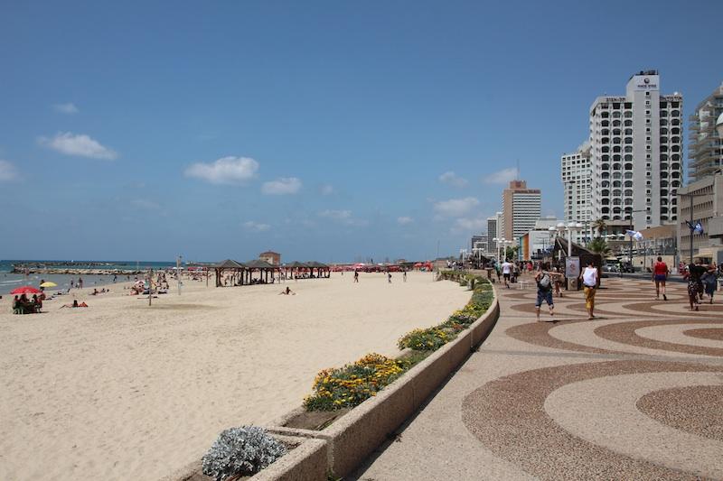 ビーチ沿いの風景