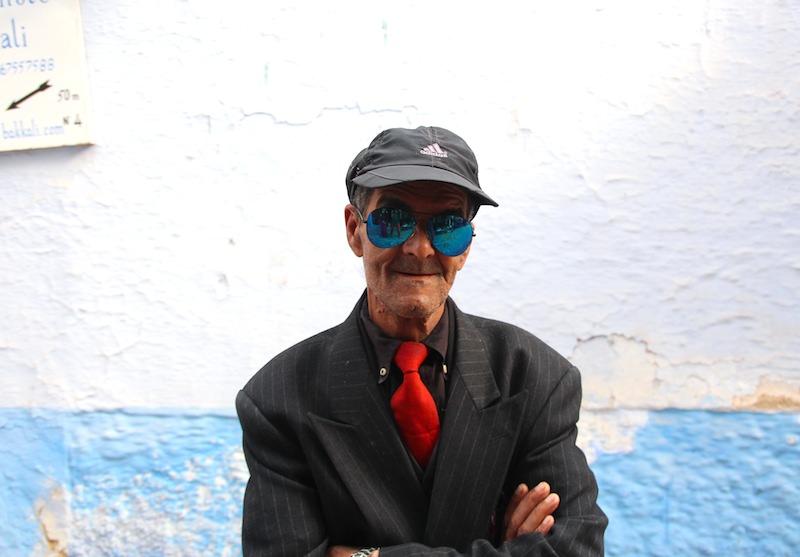 青いサングラス